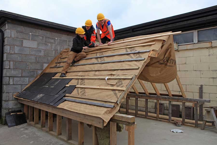 Carpentry students roofing
