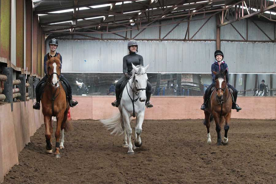 CSN Equestrian Students using Hitchmough's facilities